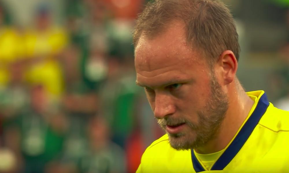 FIFA määräsi Andreas Granqvistille jättisakot vääränlaisten sukkien käyttämisestä.