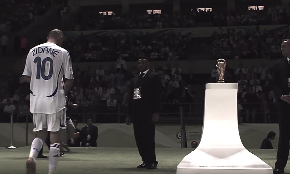 Zinedine Zidanen ura päättyi MM-finaalissa punaiseen korttiin.
