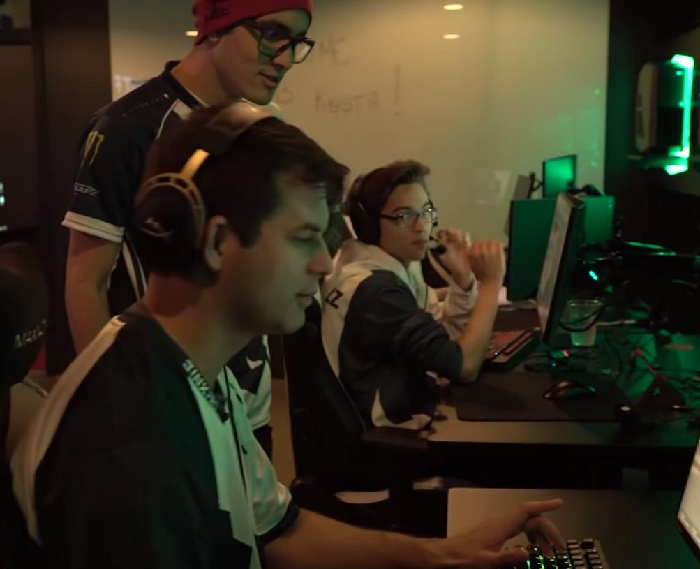 VIDEO: Miksi Esports on urheilua? Huippusuosittu show otti koomisesti kantaa