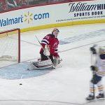 New Jersey Devilsin maalivahtiCory Schneideriltä paha moka yön ottelussa, kun joukkue nappasi kotivoiton Buffalo Sabresista lukemin 3-1.