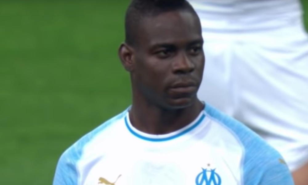 Balotelliiski huikean maalin St. Etiennen verkkoon sunnuntai iltana, kun Marseille kaatoi vastustajansa kotonaan lukemin 2-0.