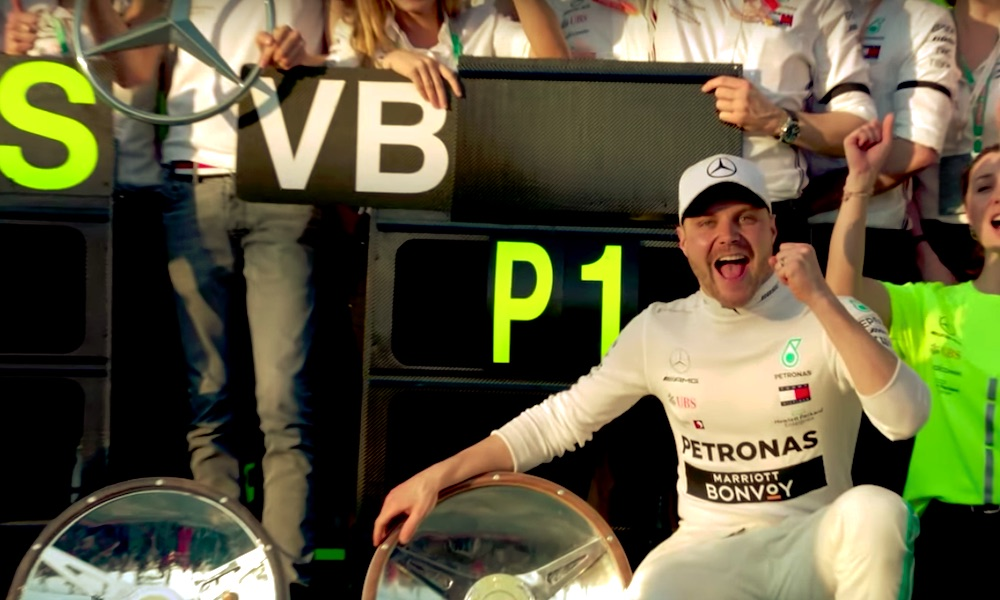 Valtteri Bottas johtaa edelleen MM-sarjaa kauden 2019 osalta, mutta vain pisteen erolla Lewis Hamiltoniin.