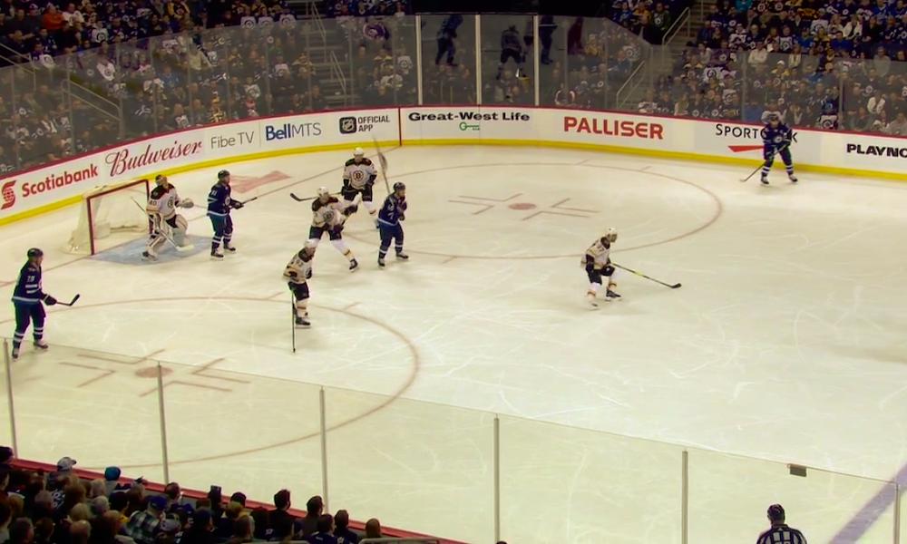Maila lensi NHL-ottelussa korkeuksiin kuin Pitkämäen keihäs, kun Zdeno Chara kiskaisi Mark Scheifelen mailaa alakautta.