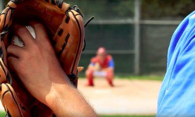 Baseball-pelaaja lyyhistyi kentälle ja menehtyi myöhemmin sairaalassa. Kyseessä oli 21-vuotias Parker Neff.