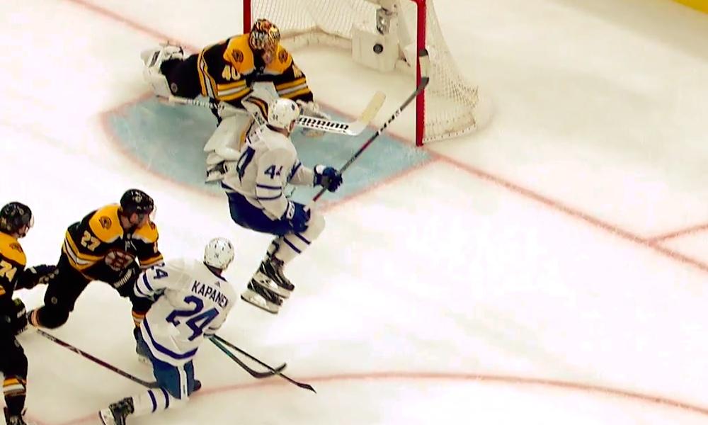 Kasperi Kapanen löysi vihdoin tehonsa ja vireensä, kun hän teki Boston Bruinsia vastaan pelatussa 5. pudotuspeliottelussa tehot 1+1.