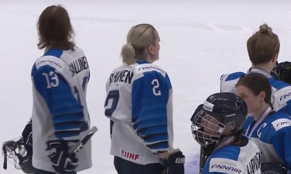 Urheilujuristi tutki sääntöjä MM-finaalissa nähtyyn Suomen 2-1-osumaan, joka lopulta hylättiin pitkän mietinnän jälkeen videotarkastuksissa.