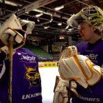 Koko Nashville Predatorsin maalivahtiosasto on suomalainen, kun meneillään on NHL Pudotuspelit 2019.