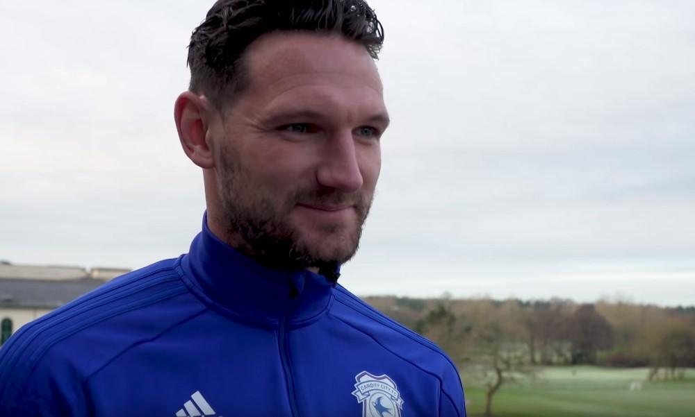 Cardiffin Sean Morrison munasi kahdesti.