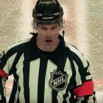 NHL-tuomari Wes McCauley kiroili ja sai jäätävän kommentin Jamie Benniltä.