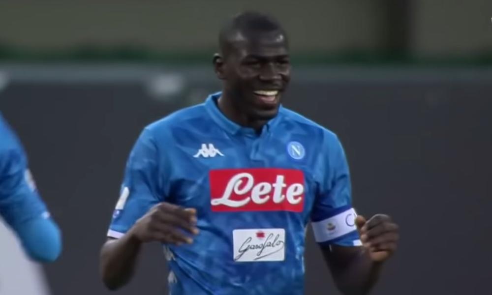 Kalidou Koulibalylta ilmiömäinen pelastus maaliviivalta, kun Napoli kohtasi toiseksi viimeisessä Serie A:n ottelussa Interin.