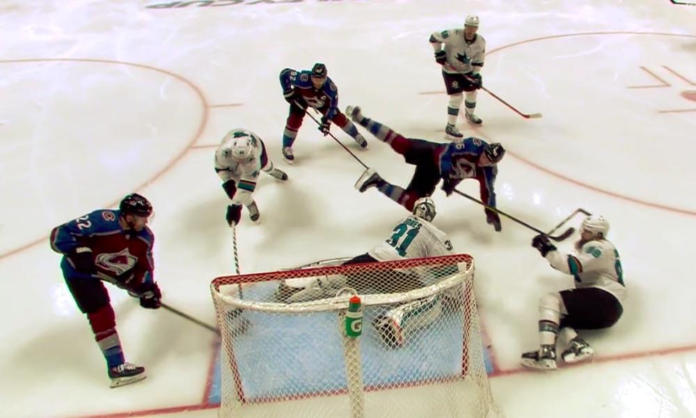 Mikko Rantanen pistepörssin kärkipaikalle NHL-pudotuspeleissä; hän alusti kaksi maalia San Jose Sharksia vastaan pelatussa Game 4:ssä ja toinen niistä oli upeaa katseltavaa.
