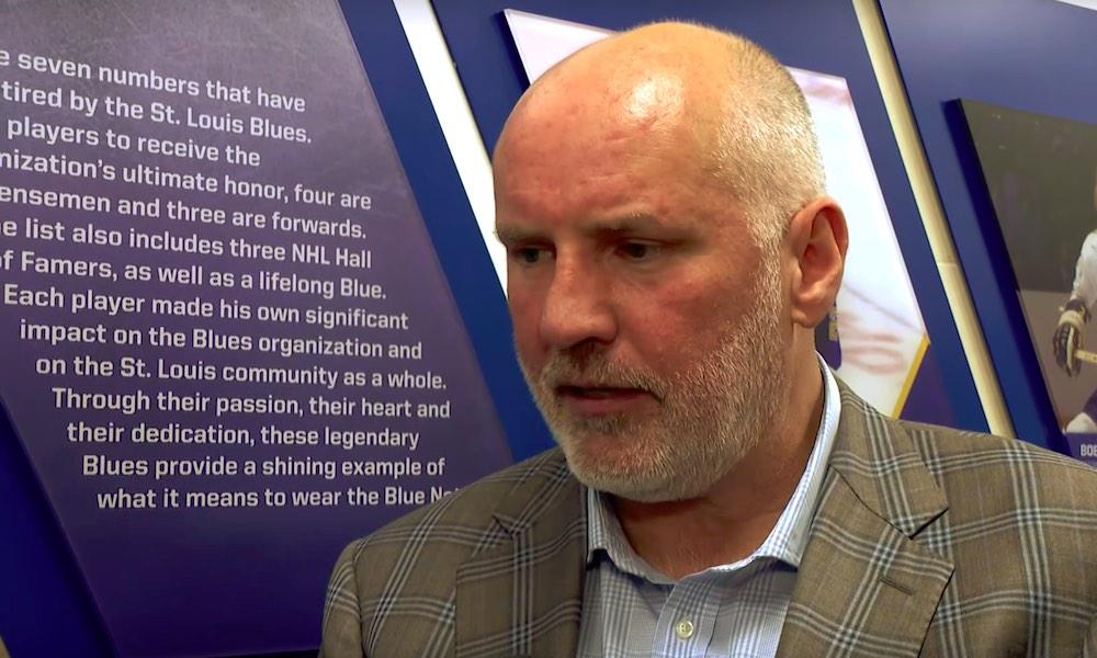 St. Louis Bluesin GM raivosi jäähenkilökunnalle Boston Bruinsin kotihallissa, TD Gardenissa.