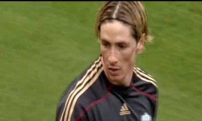 Hyökkääjälegenda Fernando Torres päättää pelaajauransa. Espanjalainen ilmoitti uransa lopettamisesta Twitter-tilillään perjantaina.