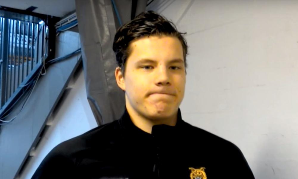 Otto Koivula nakutti huikean osuman NHL-leirillä. New York Islandersin -lupausten leirillä suomalaishyökkääjä näytti osaamistaan.