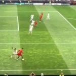 Cristiano Ronaldo tuhosi täysinsveitsiläispuolustajan - harhautti Portugal - Sveitsi -ottelussa vastustaja joukkueen pelaajan huikealla tavalla.