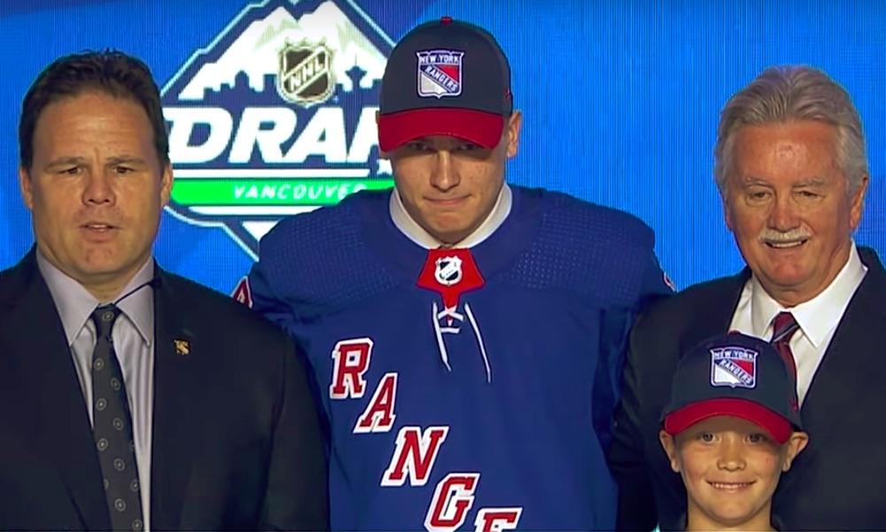 Suomalainen superlaupausKaapo Kakko solmi New York Rangersin kanssa tulokassopimuksen. Seura ilmoitti asiasta torstai iltana.