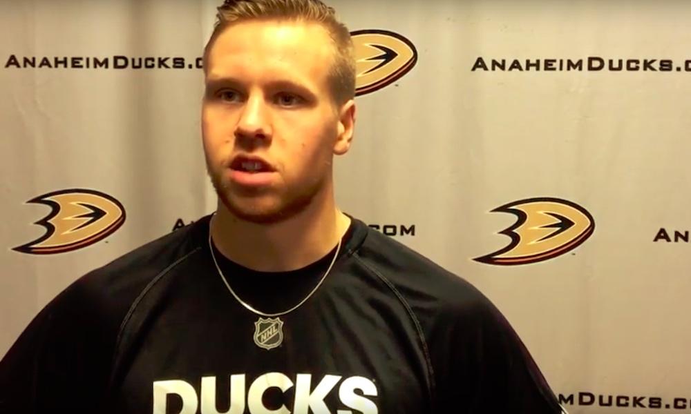 Kalle Kossila siirtyy Anaheimista Torontoon: 19 NHL-ottelua pelanneen suomalaisen sopimus on kaksivuotinen.