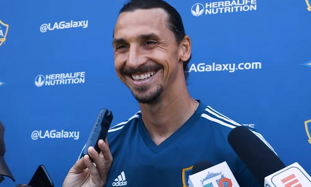"""Zlatan Ibrahimovic antoi täydellisen vastauksen """"Mitä Area 51:llä on?""""."""