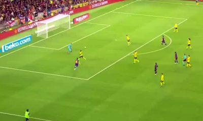 Arsenalin Ainsley Maitland-Niles teki komean maalin, valitettavasti vain omaan päähän, ottelussa FC Barcelonaa vastaan.