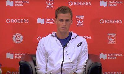 Tenniksen rahajako kestämätön: Vasek Pospisil paljastaa pelaajien saavan aivan liian pienen osan turnausten tuotoista.