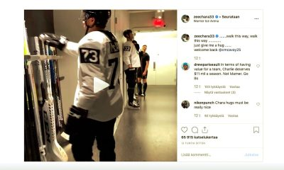 Zdeno Chara toivotti Charlie McAvoyn takaisin todella herttaisella tavalla, kun kaksikosta jälkimmäinen teki jatkosopimuksen Boston Bruinsin kanssa.