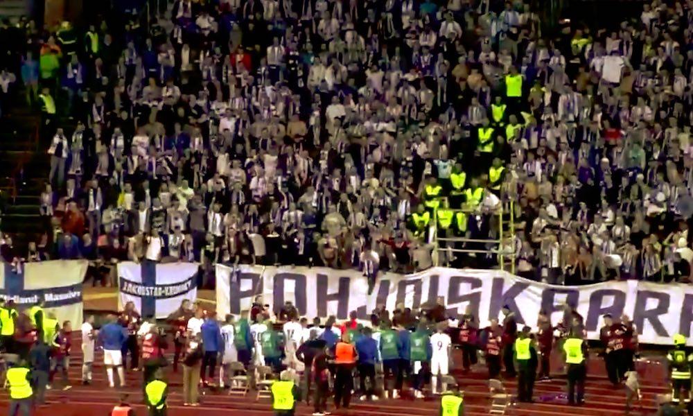 Huuhkajien pelaajilla ja faneilla mieletön meno Kreikka-voiton jälkeen: suomalaisessa jalkapallossa on meneillään jättimäinen buumi.