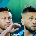 Neymar pelasti Dani Alvesin jättiläisötökältä.