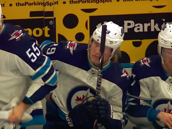 Winnipegin GM kehui Patrik Lainetta, joka sorvasi juuri kaksivuotisen jatkosopimuksen Jetsin kanssa.