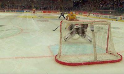 Toni Rajalalta mieletön rankkarimaali Sveitsin liigassa: suomalaishyökkääjä johtaa sarjan maali- ja pistepörssiä.