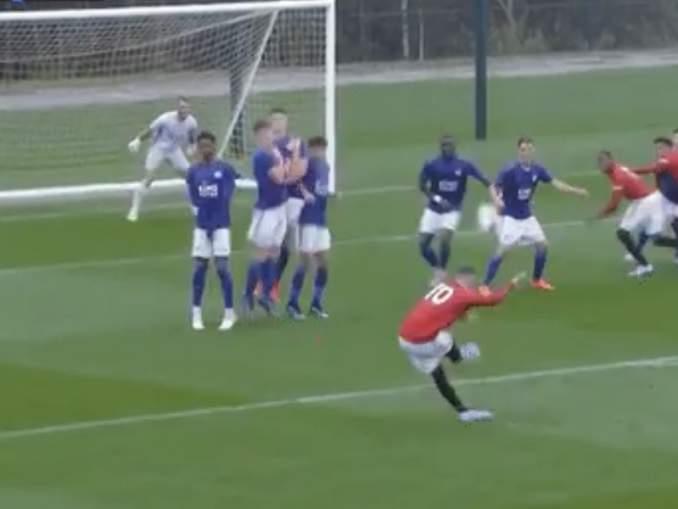 MITÄ!? Wayne Rooney pelaa salaa ManU:n nuorisojoukkueessa?