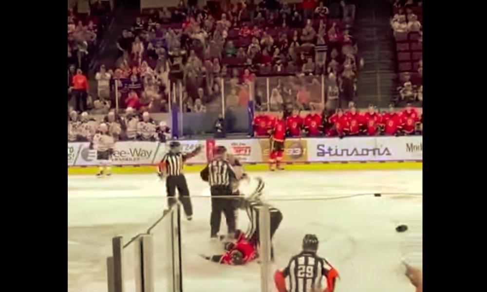 AHL-ottelussa hurja tyrmäys: Colby Cave pudotti hurjalla iskulla Martin Pospisilin.