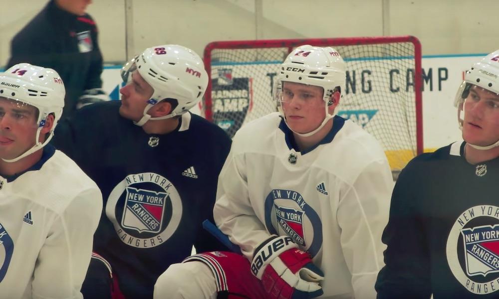 New York Rangersin Kaapo Kakko ottaa paineita maalittomuudestaan, vaikka hänellä on takana vasta kaksi NHL-ottelua.
