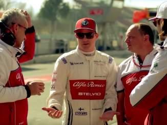 Kimi Räikkönen pohdiskelee F1-uran jatkoa: 40 vuotta torstaina täyttänyt Jäämies on F1-sarjan vanhin kuski, mutta lopettamista mies ei mieti.