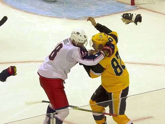 Pittsburgh Penguinsin supertähti Sidney Crosby tappeli Dubois'n kanssa ja alusti mielettömällä tavalla Patric Hörnqvistin maalin.