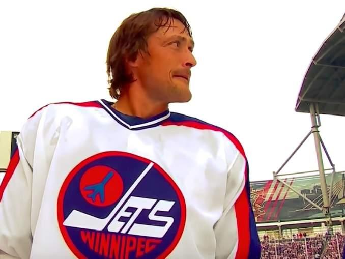 Teemu Selänne epäili itseään NHL-uransa alussa, vaikka hänen nimensä keikkui koko ajan otsikoissa - täysin ansaitusti.