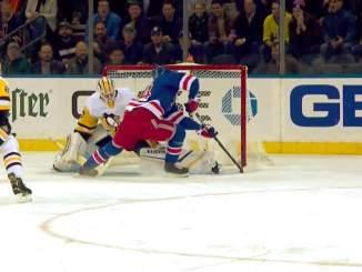 New York Rangersin Kaapo Kakko ohitti Murrayn läpiajosta, aivan kuten viime kevään MM-kisoissa, ja vastasi myös ottelun voittomaalista jatkoajalla