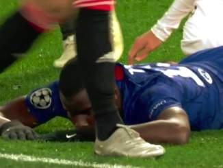 Chelsean ranskalaistoppari Kurt Zouma löysi sisäisen Ronaldinhonsa, mutta valitettavasti itsensä ja joukkueensa kannalta vain hetkellisesti.