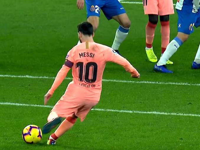 Lionel Messi kaikkien aikojen vapaapotkuspesialisti? Dominoi 2010-lukua.