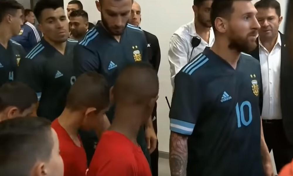 Lionel Messi pyöritti Uruguayn puolustuksen pyörryksiin.