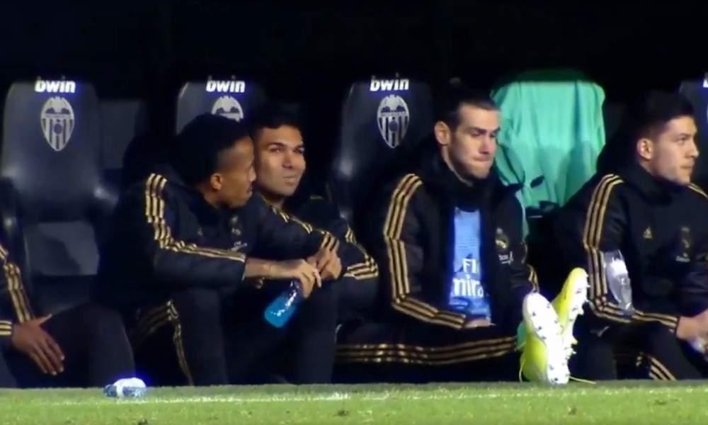 Gareth Balella oli vaihtopenkillä aivan omat leikit käynnissä.