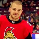 Ottawa Senatorsin romuluinen puolustaja Mark Borowiecki esti ryöstön vapaapainista tutulla liikkeellä.