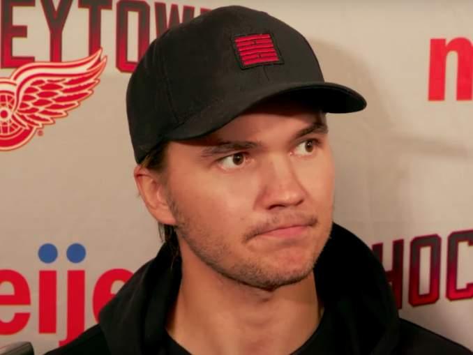 Aika Detroitissa jäi lyhyeksi: Oliwer Kaski siirtyy Carolinaan useiden suomalaisten joukkuekaveriksi.