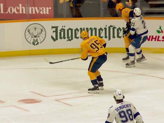 Ryan Johansen tyrmäsi Pointin kyynärpäätaklauksella, joka puhuttaa NHL:ssä.