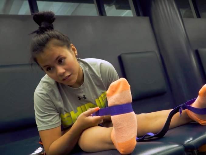 Urheiluvedot.com:n vuoden 2019 luetuimmat jutut: voimistelijan ura päättyi karmivaan loukkaantumiseen, kun häneltä katkesi alastulossa molemmat jalat.