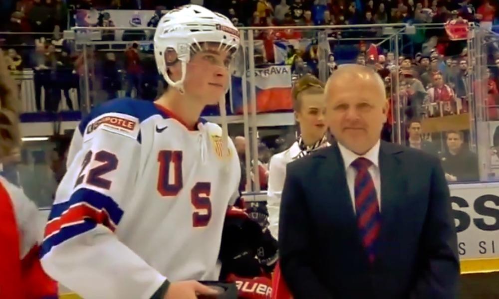 Jenkkijunnu hermostui nuorten MM-kisoissa: tappio Kanadalle oli liikaa Shane Pintolle.