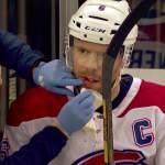 Montreal Canadiensin Shea Weber blokkasi laukauksen naamallaan: NY Rangersin Ryan Strome tälläsi kiekon suoraan kanadalaispuolustajan kasvoihin.