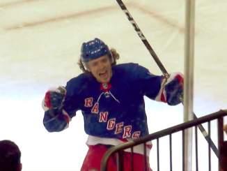 Artemi Panarin ohitti Wayne Gretzkyn ja nousi kaikkien aikojen tehokkaimmin NY Rangers -uransa aloittaneeksi pelaajaksi.
