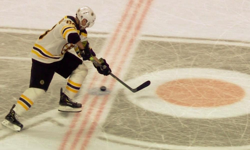 Boston Bruinsin Brad Marchandilta nähtiin mitä todennäköisimmin maailmanhistorian huonoin rankkariyritys voittolaukauskilpailussa Philadelphia Flyersia vastaan.