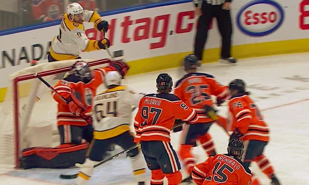 Nashville Predatorsin ruotsalaishyökkääjä Filip Forsberg iski huikean ilmaveivimaalin; kyseessä oli kuluvan NHL-kauden kolmas ilmaveiviosuma.