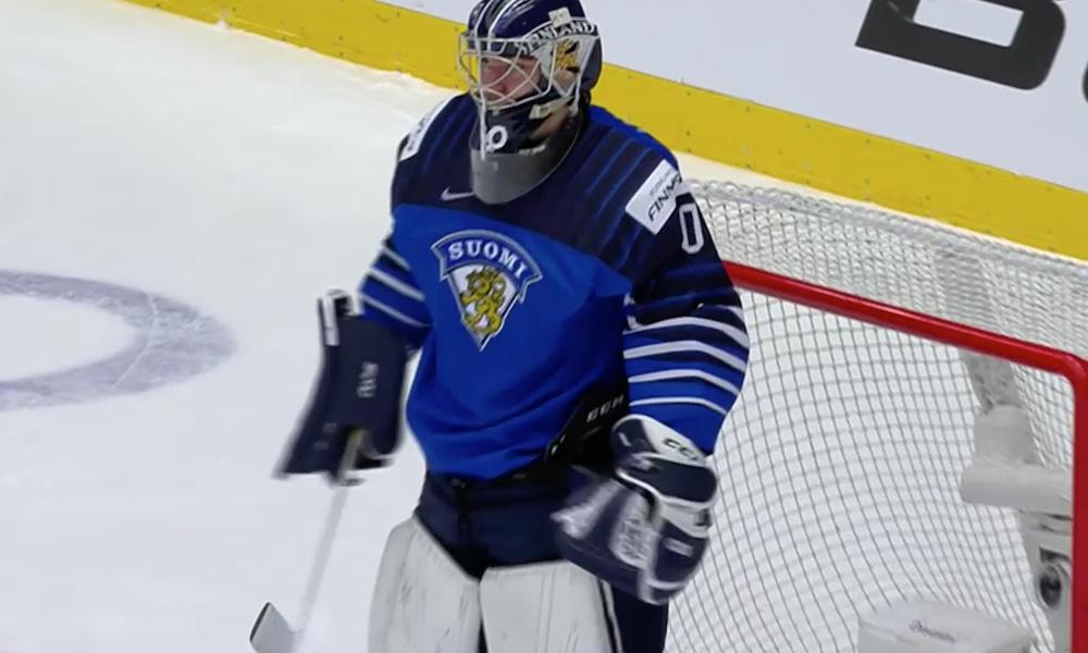 Nuoret Leijonat välieriin! Justus Annunen torjui Suomen neljän parhaan joukkoon, kun hän piti turnauksen ensimmäisen nollapelinsä.